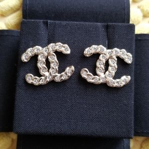 NWOT/NIB Authentic Chanel Earrings